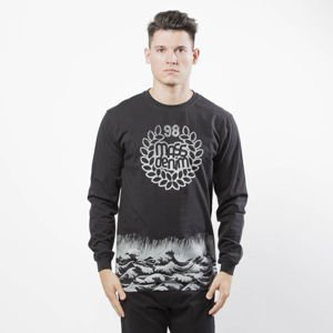 Mass DNM koszulka Longsleeve Perfect Storm - black