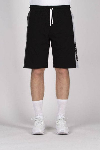 Mass DNM szorty Triple Sweatshorts - black